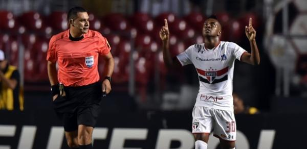 Kelvin disputou 43 jogos e fez três gols pelo São Paulo em 2016