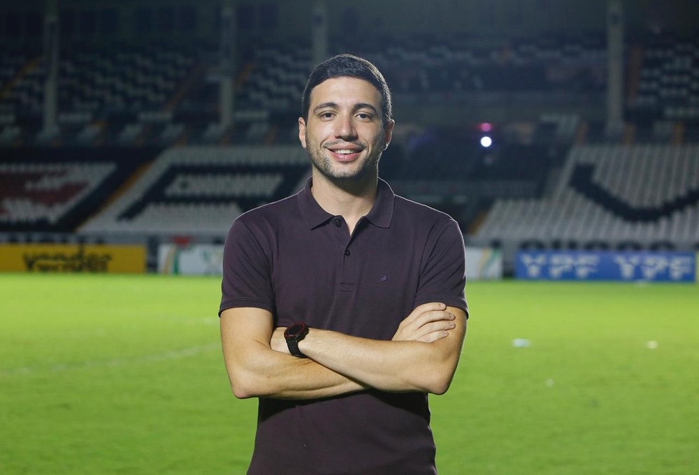 Novo diretor de futebol do Vasco, Alexandre Pássaro teve participação importante na negociação e foi elogiado por Jorge Salgado