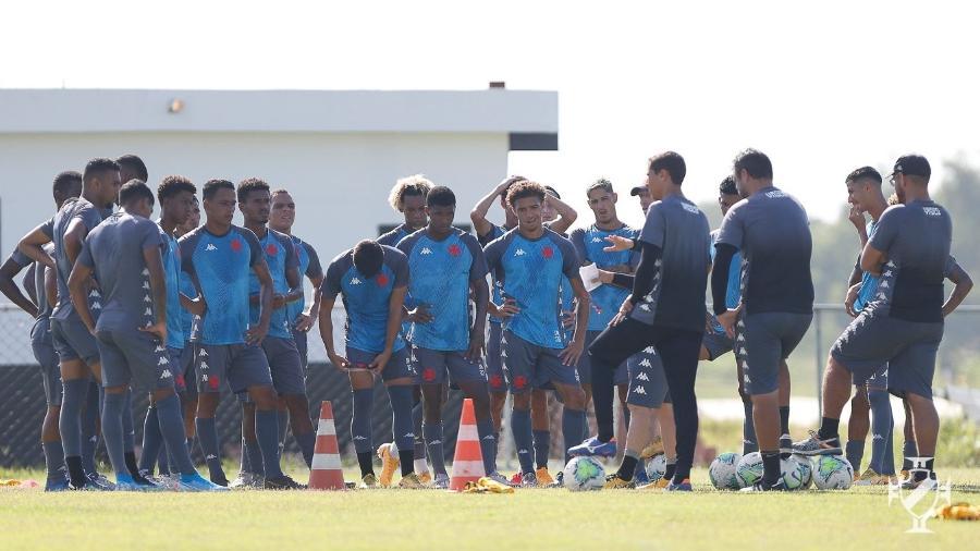 Sub-20 do Vasco treina no CT de Caxias de olho na Supercopa do Brasil